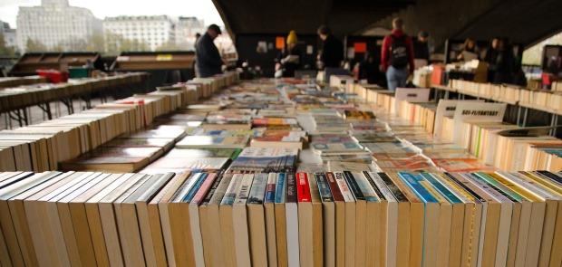 books-1481403_1920