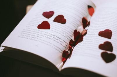 book-2589044_1920