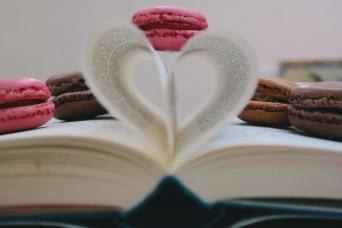 book-2605690_1920