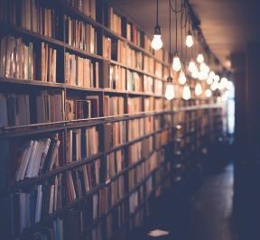 books-2596809_960_720